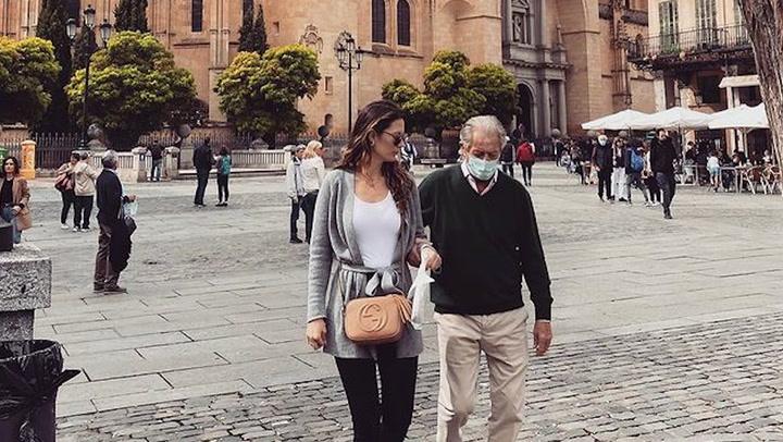 ¡La familia es lo primero! Isabelle Junot hace turismo con su padre y su hermana por Segovia