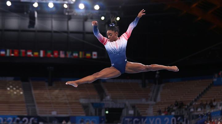 Simone Biles returns with stunning routine at balance beam final