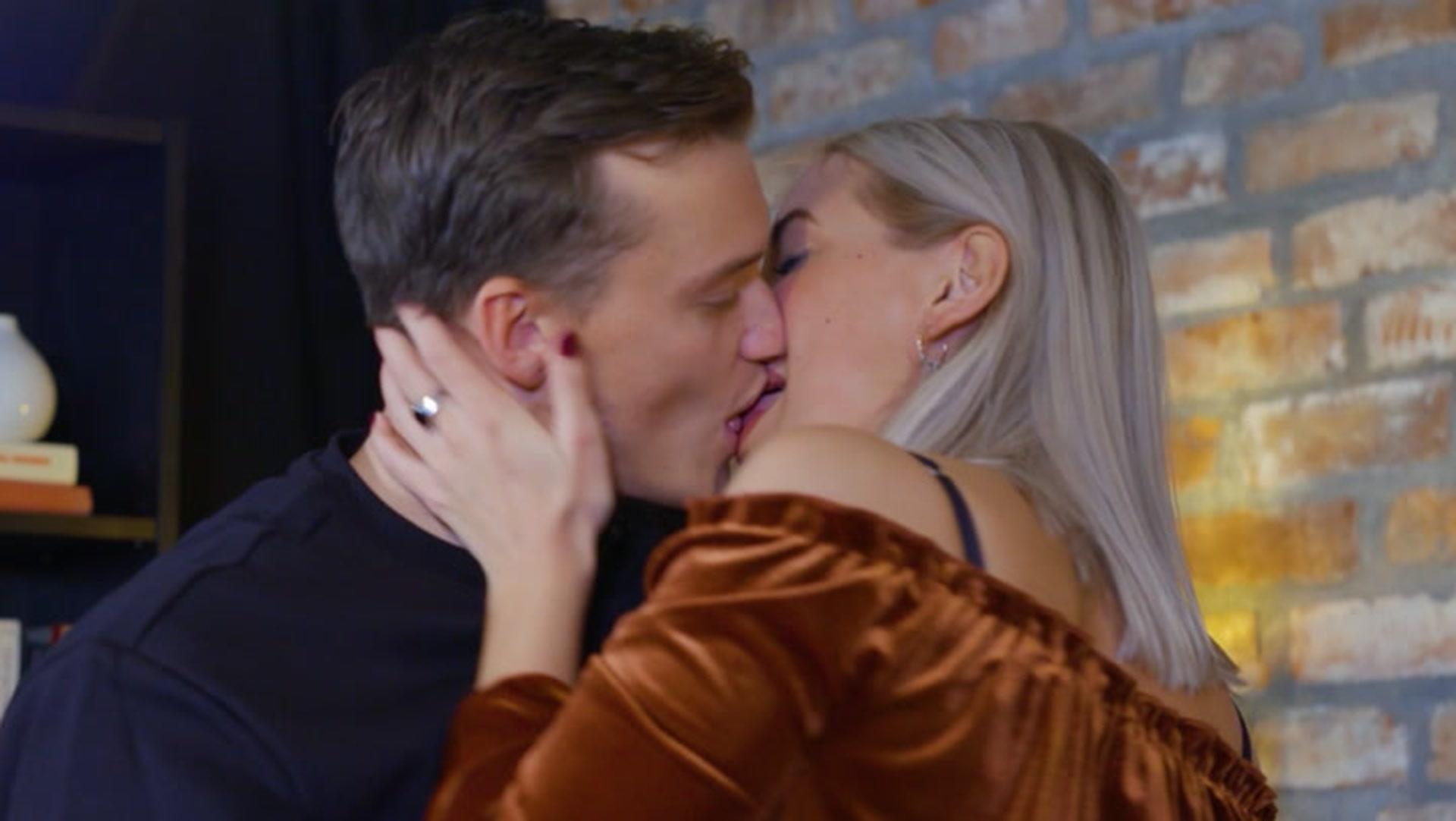 pinlig dating videoer homofil sex nettsteder NYC
