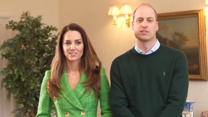 \'¡Cuidado, que te graban!\' Las bromas del príncipe Guillermo a Kate Middelton en su nueva aventura digital