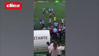 Agresiones y tiroteos en el fútbol de Portugal: La policía tuvo que intervenir y apuntó con un arma a un jugador