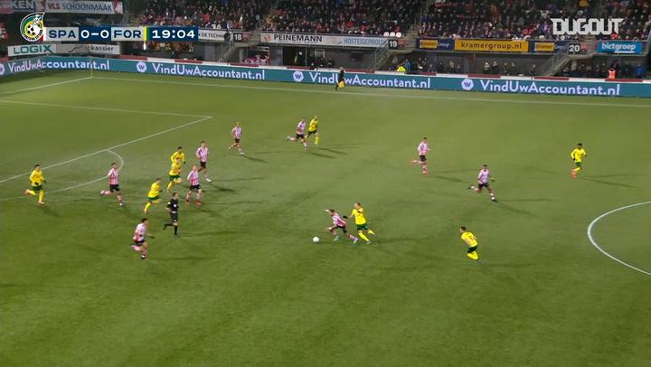 Vitalie Damasacan tucks home vs Sparta Rotterdam