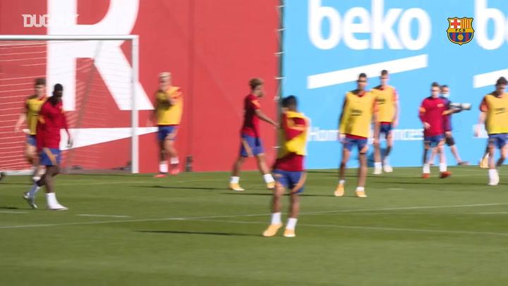 Dembélé shines in Barça training session