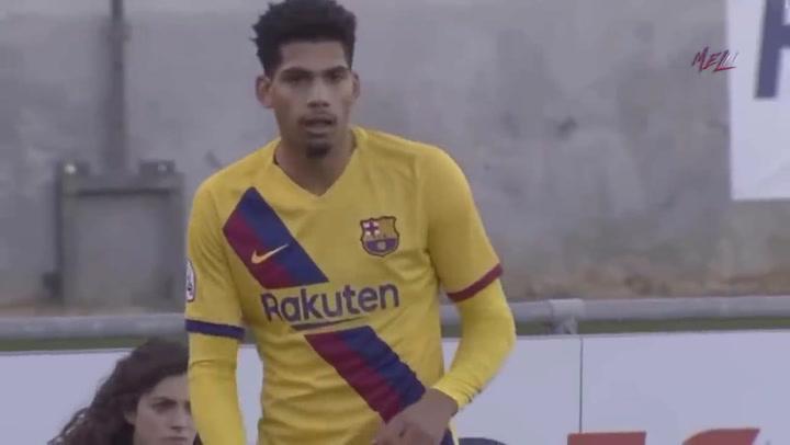 Así juega Ronald Araújo, central del Barça B