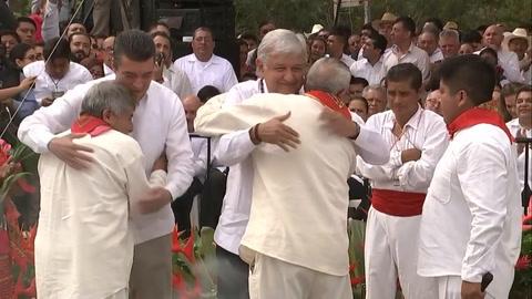 Mexicano López Obrador inaugura obras de construcción de tren