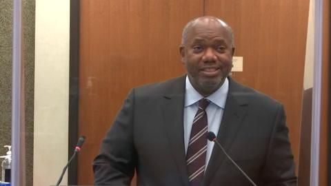 Expolicía Chauvin se niega a testificar en juicio por muerte de George Floyd