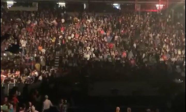 La gente protesta y pide el reembolso de las entradas tras el combate entre Seth Rollins y Bray Wyatt