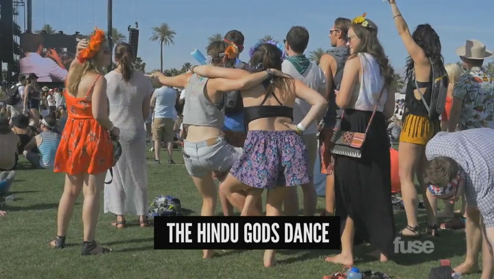 Festivals: Coachella 2015: Dance Lessons Video