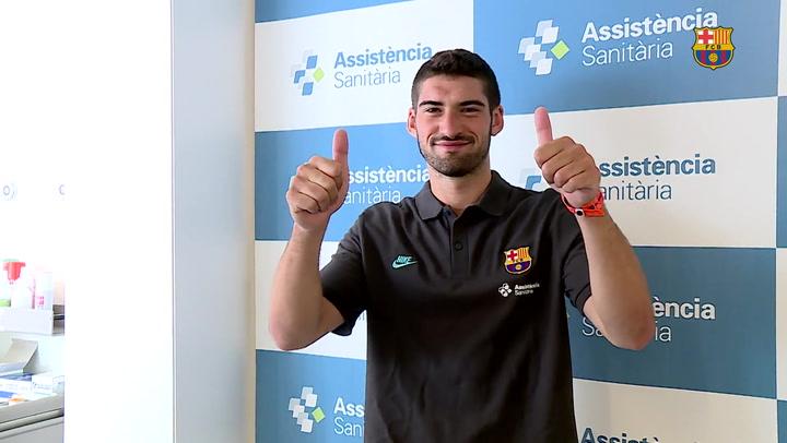 Feixas supera la revisión médica y vuelve al Barça