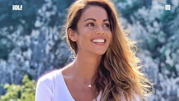 Lara Álvarez presume de las obras de su novio Adrián Torres y si te fijas verás alguna cara conocida