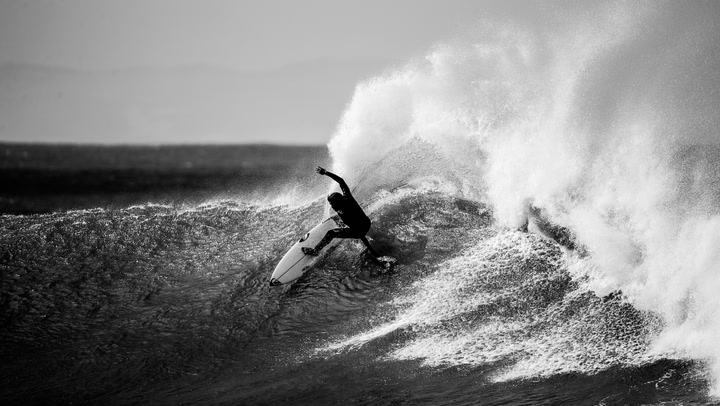 Quiksilver's new 1mm Highline Pro wetsuit is the world's first goofy/regular-specific wetsuit. The company claims the suit is the Formula 1 option for quick sessions in conditions you'd normally wear a 3:2.