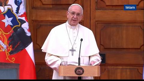 Peña negó que sea política la decisión del Papa de no venir a Argentina