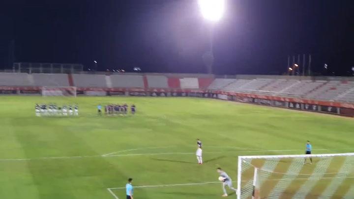 Iñaki Peña para el primer penalti contra el Badajoz