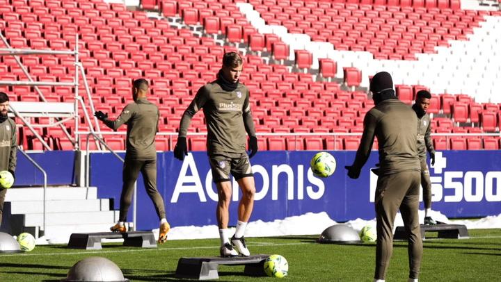 Entrenamiento del Atlético de Madrid con la mente puesta en el Eibar