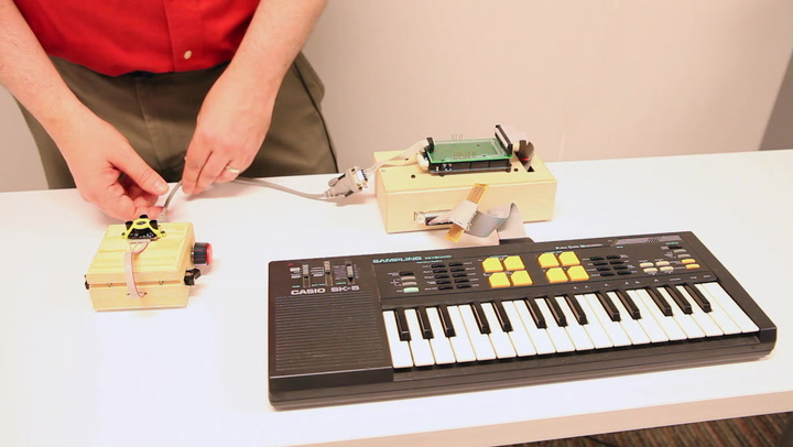 How To Build A Theremin You Can Play With Your Whole Body