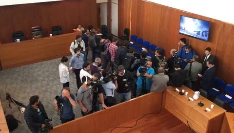 Tras una demora de casi tres horas se pone en marcha el juicio a Los Monos