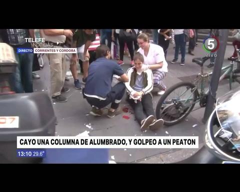 Una joven resultó herida al caer una columna de alumbrado frente a la Bolsa de Comercio