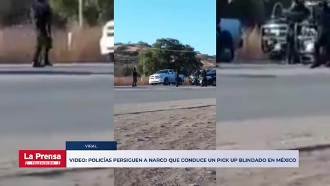 Video: Policías persiguen a narco que conduce un pick up blindado en México