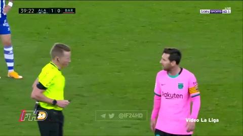 Messi le tiró un balonazo al árbitro del Alavés-Barcelona y fue amonestado