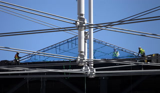 Allegiant Stadium roof takes next step towards completion – Video