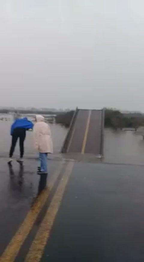 Se desplomó un puente en Corrientes, que une la ciudad de Esquina con Goya