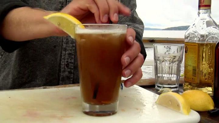 Hvordan lage Long Island Iced Tea