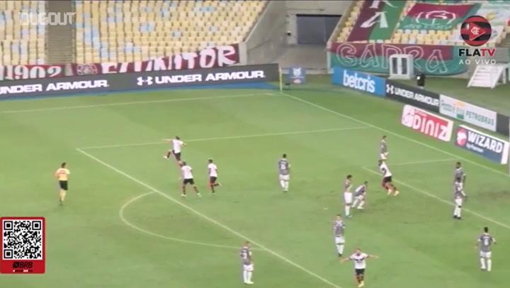 Flamengo beat Fluminense at Maracanã