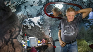 Richard Roman's Home Is an Abandoned Mine – Video