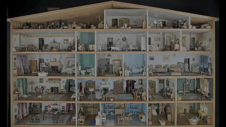 Christmas Dollhouse Decorations.Christmas At The Smithsonian S Dolls House Includes All The