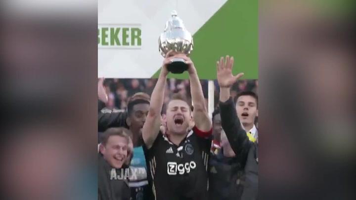 El Ajax celebra la Copa, primer título de la temporada