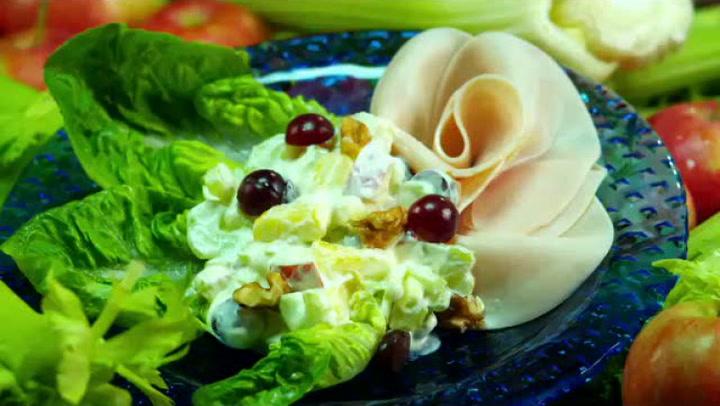 Hvordan lage waldorfsalat