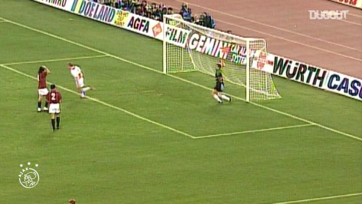 Wim Jonk's long-distance stunner vs Torino
