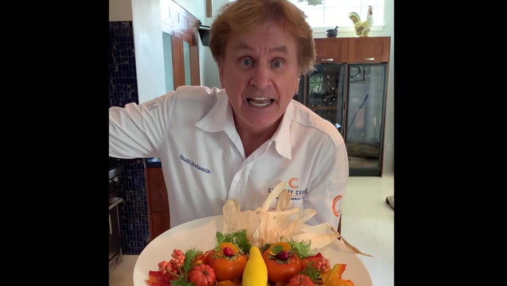 """Rudi Sodamin does a Thanksgiving themed special """"Food faces"""" Cruise review video"""