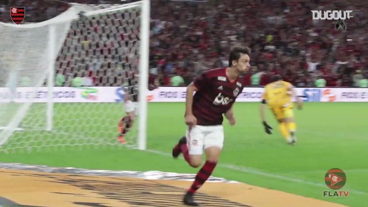 El gol de Rodrigo Caio que le dio la victoria a Flamengo contra Corinthians