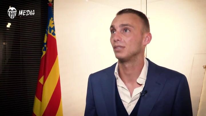 """Cillessen: """"Mestalla es más pequeño que el Camp Nou pero me gusta"""""""