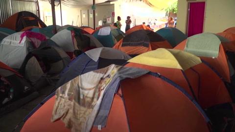 La espera por un incierto asilo en EEUU desborda albergues de México