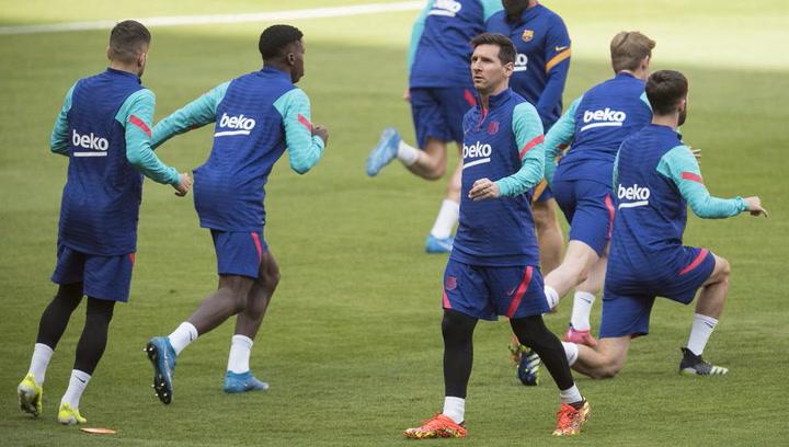 El Barça se ejercita en La Cartuja antes de la final de Copa