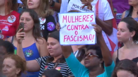 Las mujeres vuelven a tomar las calles para protestar contra Bolsonaro en Brasil