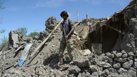 Más de 90 muertos por megabomba de EEUU en Afganistán