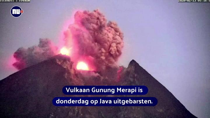 Bliksem bij uitbarsting vulkaan in Indonesië