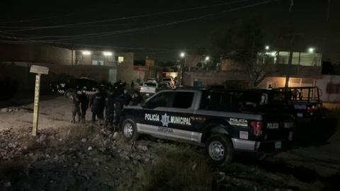 Comando asesina a balazos a 11 personas en el oeste de México.mp4