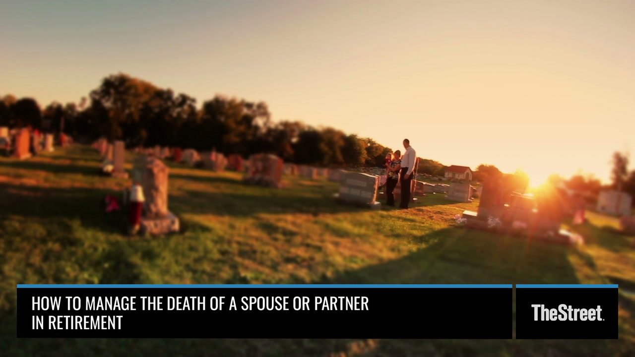 How to Manage the Risk of the Death of a Spouse or Partner in Retirement