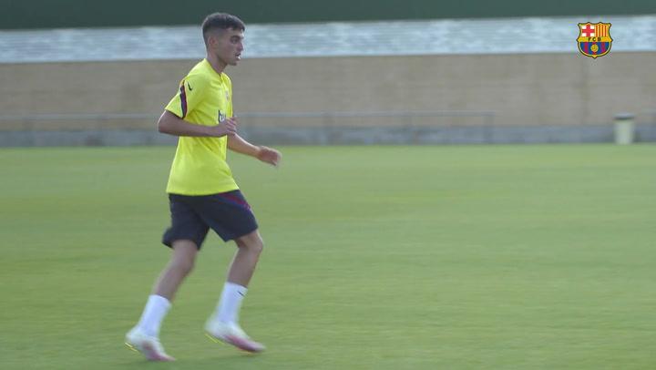 Algunos fichajes y los que vuelven de cesión protagonizan el entrenamiento del Barça