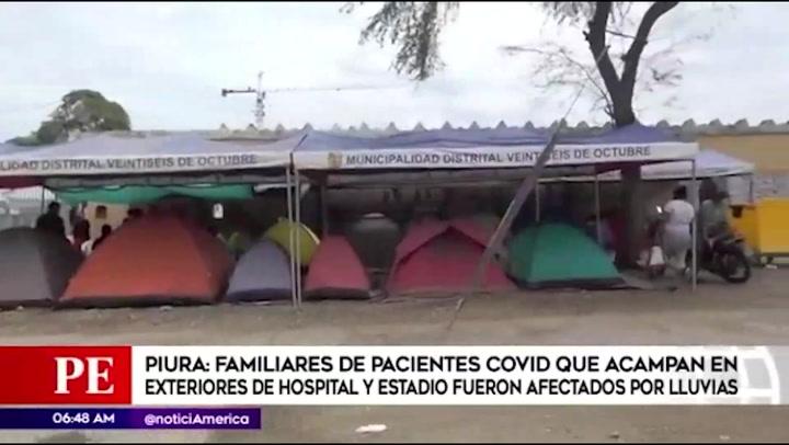 En Piura familiares de pacientes COVID que acampan fueron afectados por las lluvias