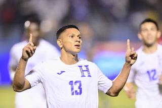 Bryan Moya anota el 2 - 0 de Honduras ante Trinidad y Tobago