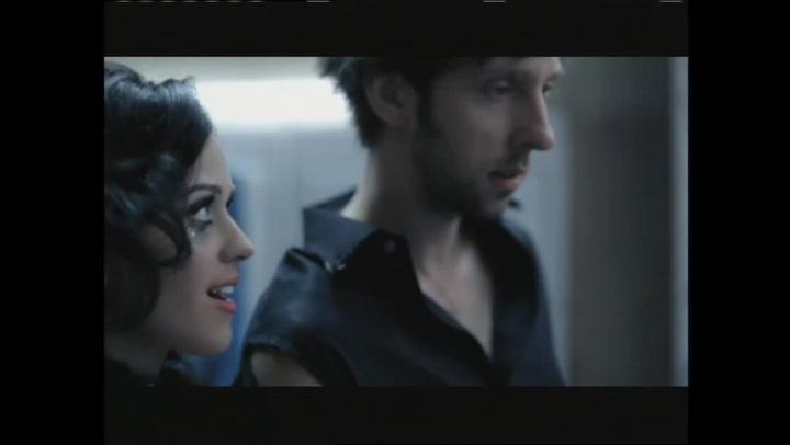 Music Video: Waking Up In Vegas