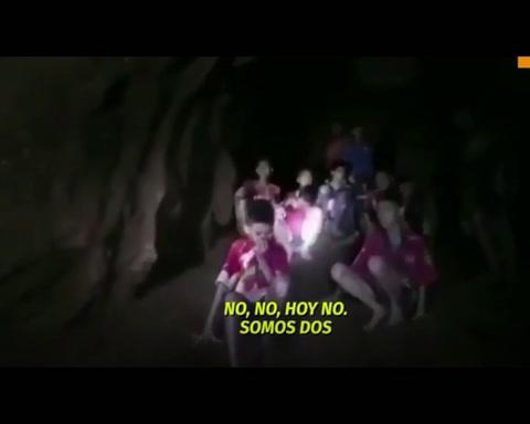 Nuevo video de los chicos de Tailandia que esperan ser rescatados