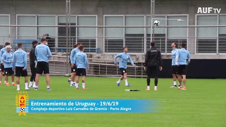 Último entrenamiento de Uruguay antes de enfrentarse a Japón