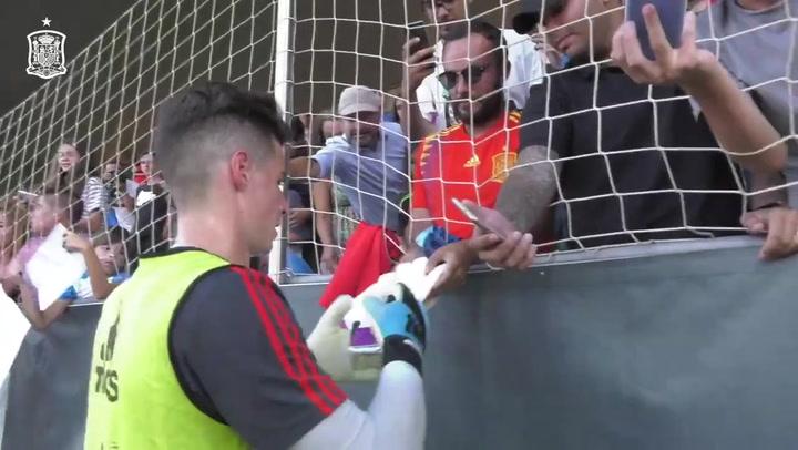 Primer entrenamiento de la selección con Robert Moreno a los mandos