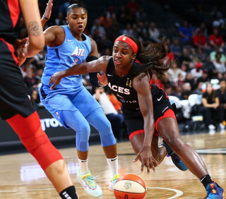 Las Vegas Aces' Jackie Young Steps Up Big in Win Over Atlanta Dream – Video Highlights